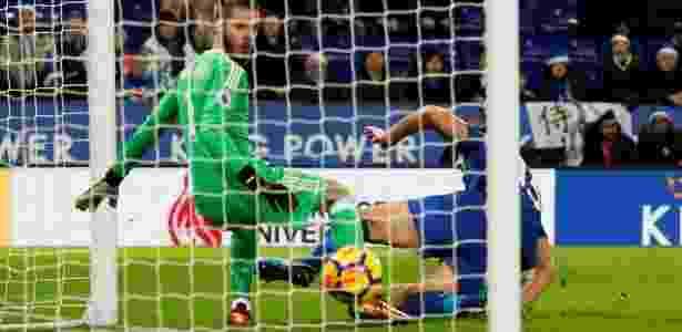 Maguire, do Leicester, finalizou no gol do United no último lance, empatando o jogo - Reuters