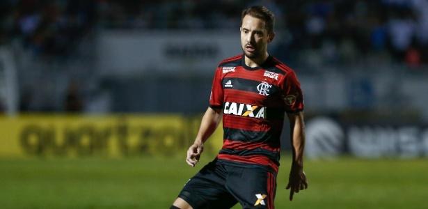 Everton Ribeiro foi preterido por Maurício Barbieri, que optou por escalar Willian Arão