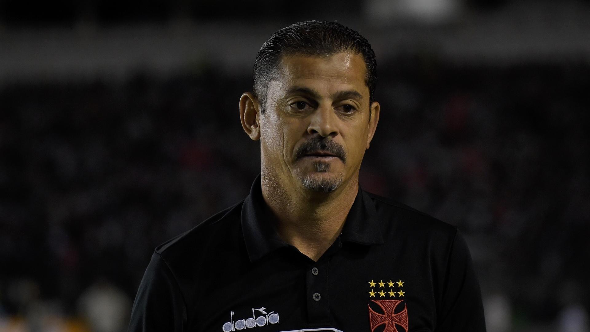 Valdir Bigode acompanha jogo do Vasco contra o São Paulo