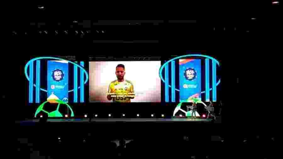 Craque do Carioca, Everton Ribeiro gravou vídeo agradecendo premiação após desfalcar festa - Reprodução