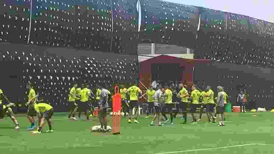 Jogadores do Flamengo treinam em Lima, no Peru, antes de final da Libertadores - Leo Burlá / UOL