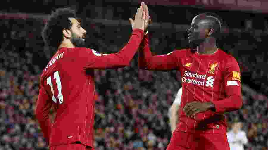 Mohamed Salah e Sadio Mané comemoram gol do Liverpool diante do Sheffield pela 21ª rodada do Campeonato Inglês - Carl Recine/Action Images via Reuters