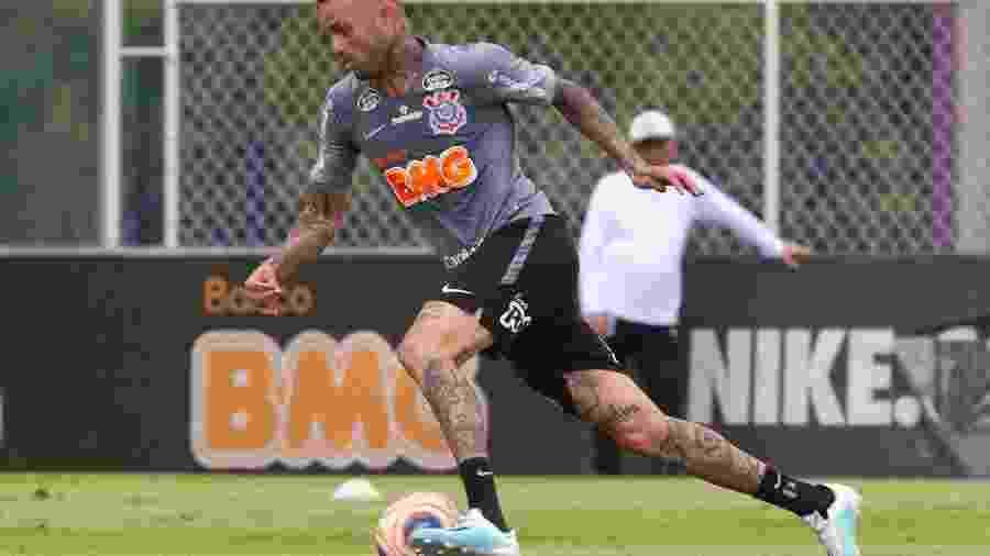 Meia Luan em treinamento com a camisa do Corinthians no CT Joaquim Grava - Daniel Augusto Jr. / Ag. Corinthians