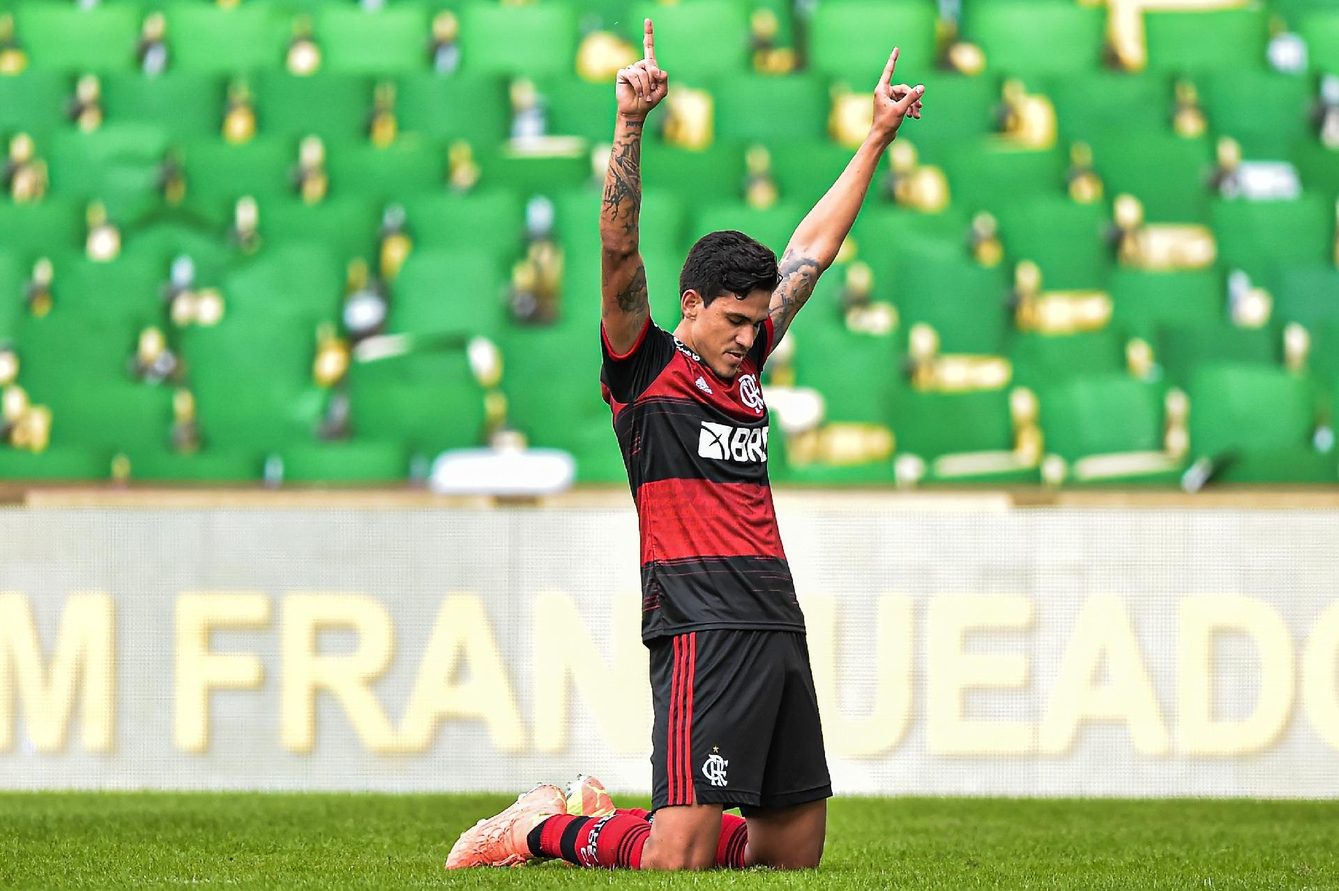 Pedro abre o placar para o Flamengo na ida da decisão do Carioca contra o Fluminense