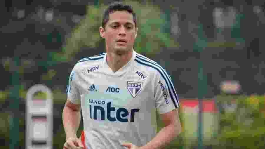 Jogador de 32 anos fica livre no mercado da bola após 56 partidas com a camisa do São Paulo - Rubens Chiri/saopaulofc.net