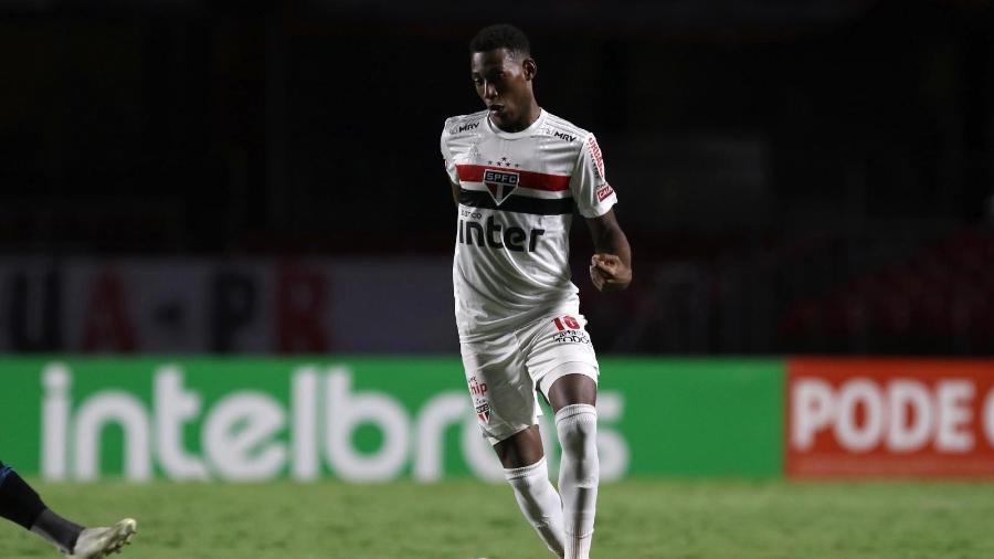 Léo, lateral esquerdo do São Paulo, desfalca elenco por causa de exame positivo para a covid-19 - Rubens Chiri / saopaulofc.net