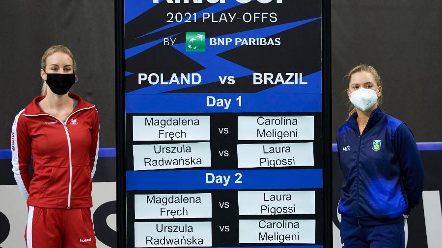 Laura Pigossi e Urszula Radwanska na Billie Jean King Cup, em Bytom, na Polônia - ITF