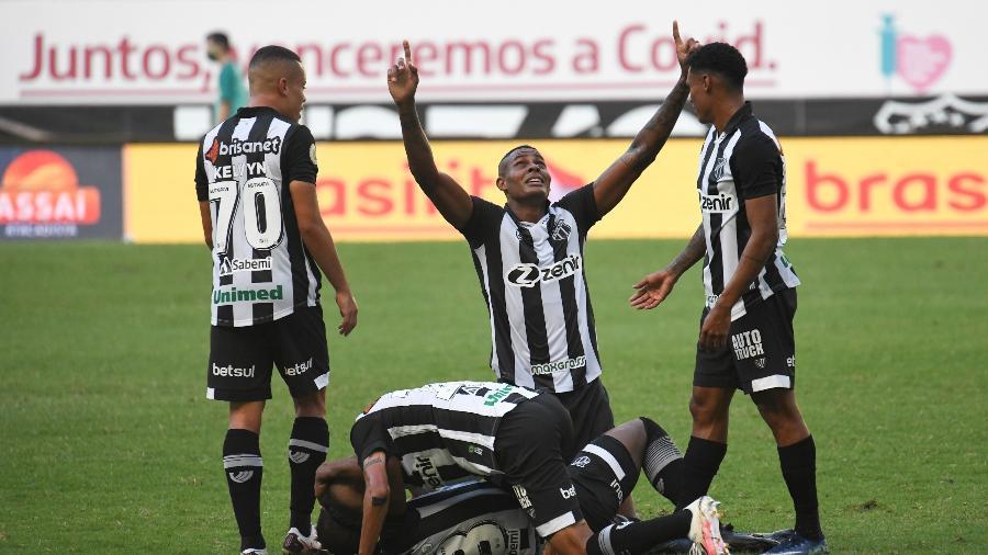 Ceará venceu Grêmio no primeiro turno (foto) e agora estreia treinador em Porto Alegre - Kely Pereira/AGIF