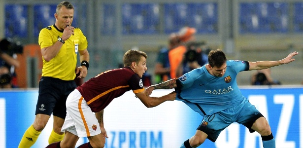 Digne enfrentou o Barcelona pela Liga dos Campeões