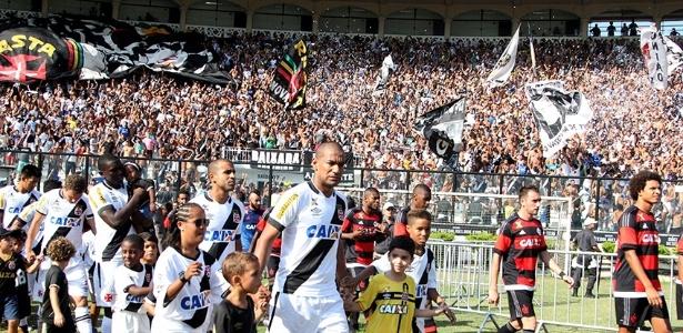 No duelo em São Januário, pela primeira fase, o Vasco venceu o Fla por 1 a 0