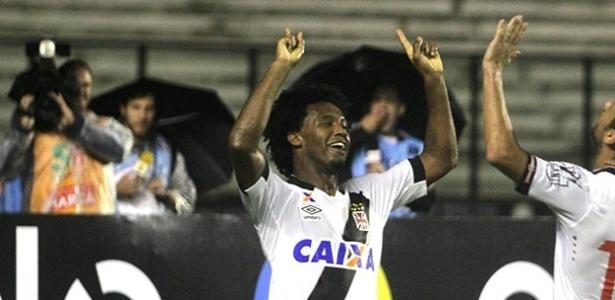 Zagueiro Rafael Vaz mais uma vez foi decisivo para o Vasco marcando gol - Paulo Fernandes / Site oficial do Vasco