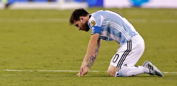Messi se lamenta durante final da Copa América - Adam Hunger / USA Today Sports