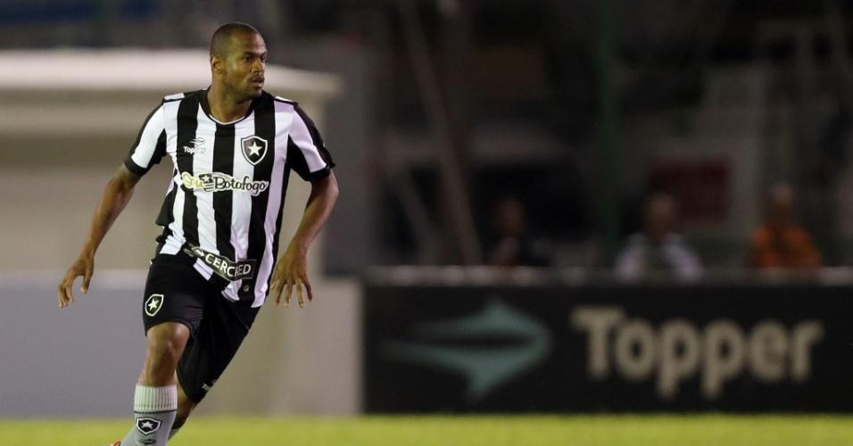 Airton foi um dos destaques do Botafogo contra o Bragantino na Ilha do Governador