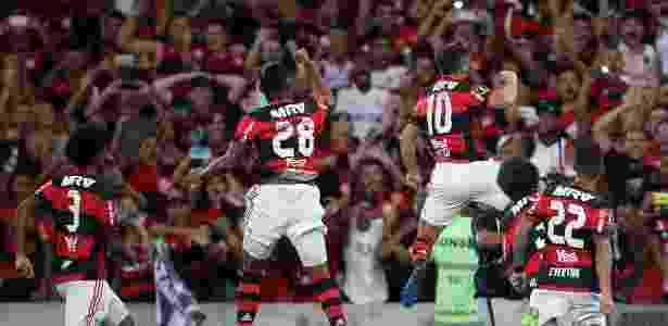 Jogadores do Flamengo vibram com estreia vitoriosa no Maracanã - Pedro Martins / MoWA Press