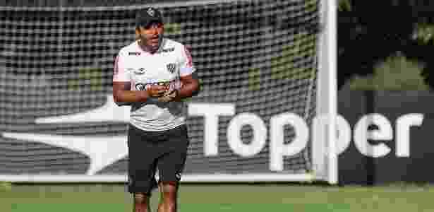 Roger Machado exibiu vídeo para os jogadores do Atlético-MG como preparação para o clássico - Bruno Cantini/Clube Atlético Mineiro