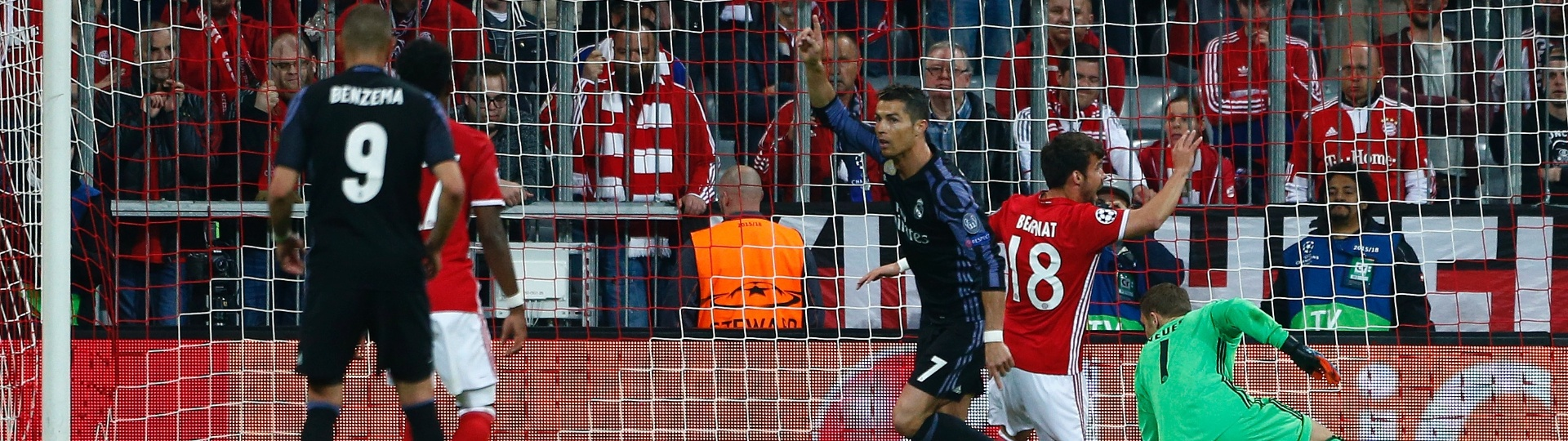 Cristiano Ronaldo comemora após marcar o segundo gol do Real Madrid contra o Bayern