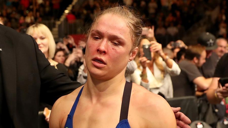 Ronda Rousey deixa a T-Mobile Arena após derrota para Amanda Nunes no UFC 207 - Christian Petersen/Getty Images
