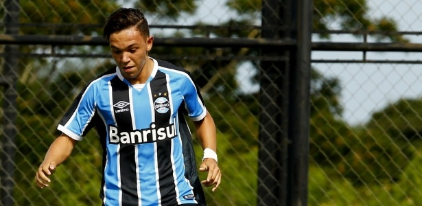 Pepê, 20 anos, foi contratado pelo Grêmio após se destacar no futebol paranaense