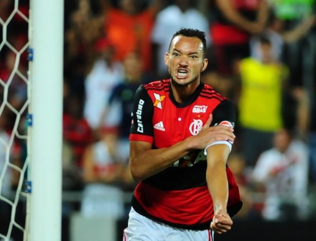 Réver, zagueiro do Flamengo - ARMANDO PAIVA/RAW IMAGE/ESTADÃO CONTEÚDO