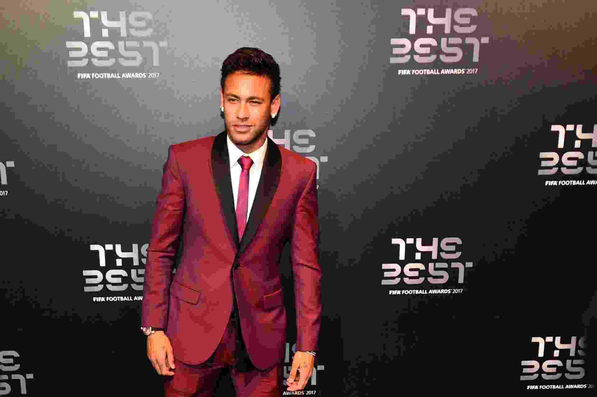 Neymar chega para a cerimônia de melhor jogador do mundo da Fifa - GLYN KIRK/AFP