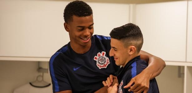 Carlinhos e Guilherme Mantuan, dois dos mais jovens no elenco do Corinthians - Rodrigo Gazzanel/Agência Corinthians