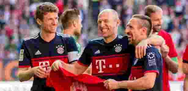 Thomas Müller, Robben e Ribery comemoram título alemão do Bayern de Munique - TF-Images/Getty Images - TF-Images/Getty Images