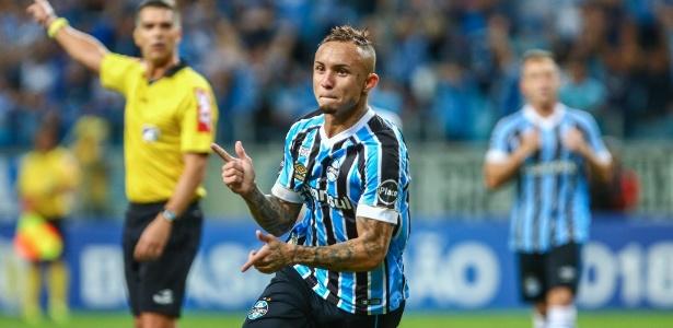 Meia-atacante do Grêmio é uma das armas para o reencontro com o Flamengo, nesta quarta - LUCAS UEBEL/GREMIO FBPA
