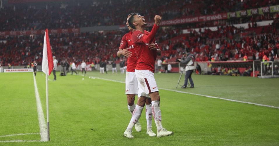 Lucca comemora seu primeiro gol no Internacional contra a Chapecoense