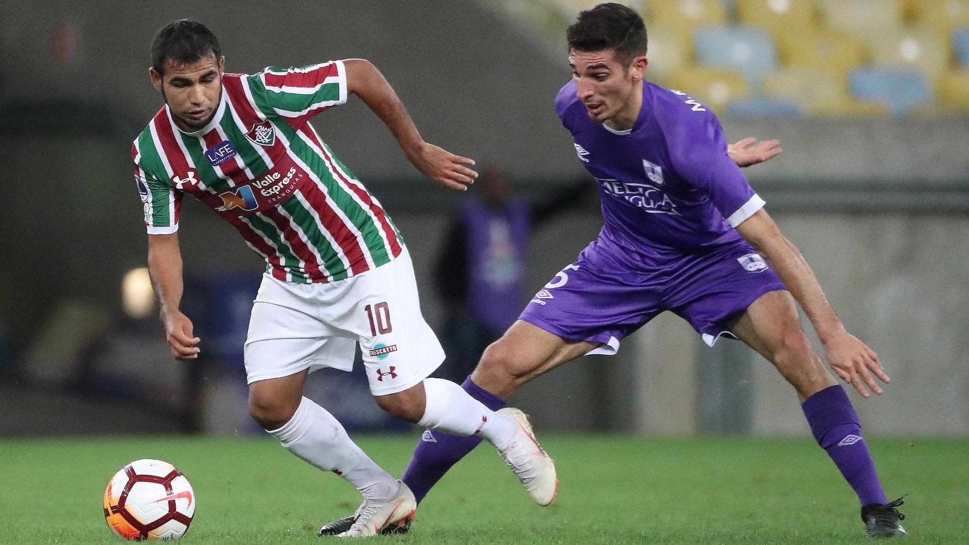 O equatoriano Sornoza em lance do jogo entre Fluminense e Defensor