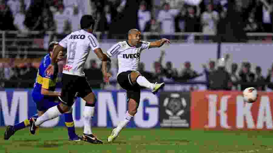 Ídolo no Corinthians, Emerson Sheik defendeu a seleção do Qatar nas eliminatória da Copa-2010 - Leandro Moraes/UOL