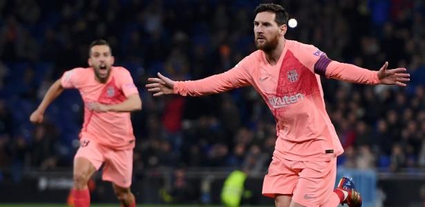 Messi se mostrou letal nas cobranças de falta e fez dois no clássico da Catalunha - Alex Caparros/Getty Images