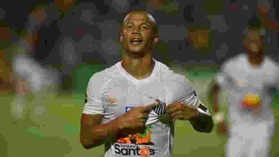 Carlos Sánchez comemora gol do Santos contra o Altos, pela Copa do Brasil - Divulgação/Santos