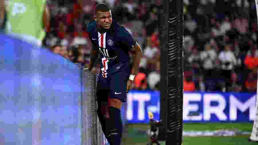 Mbappé sente lesão em jogo do PSG - Franck Fife/AFP