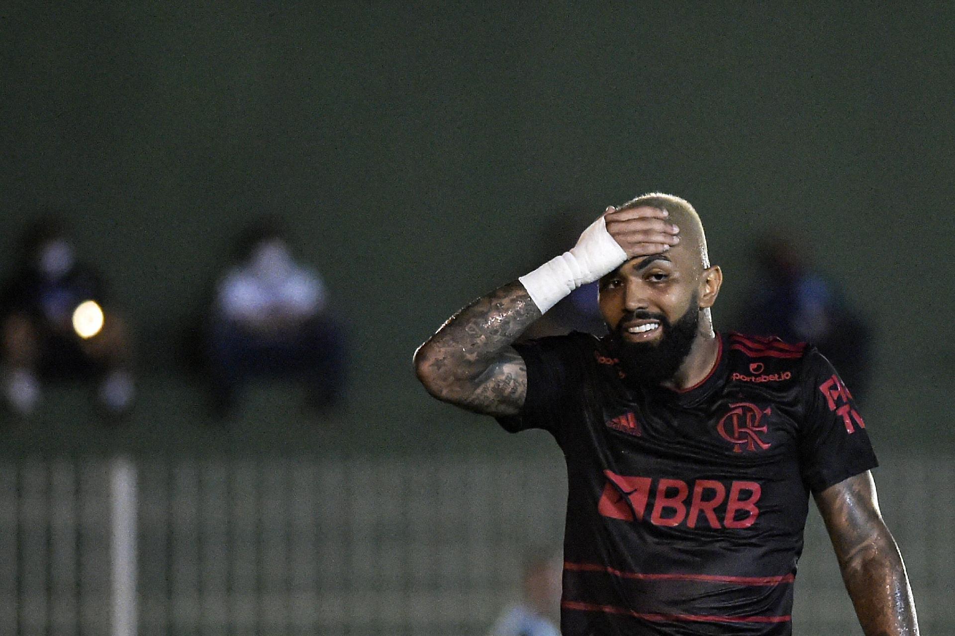 Gabigol comemora volta e lamenta: Pena que não foi com vitória