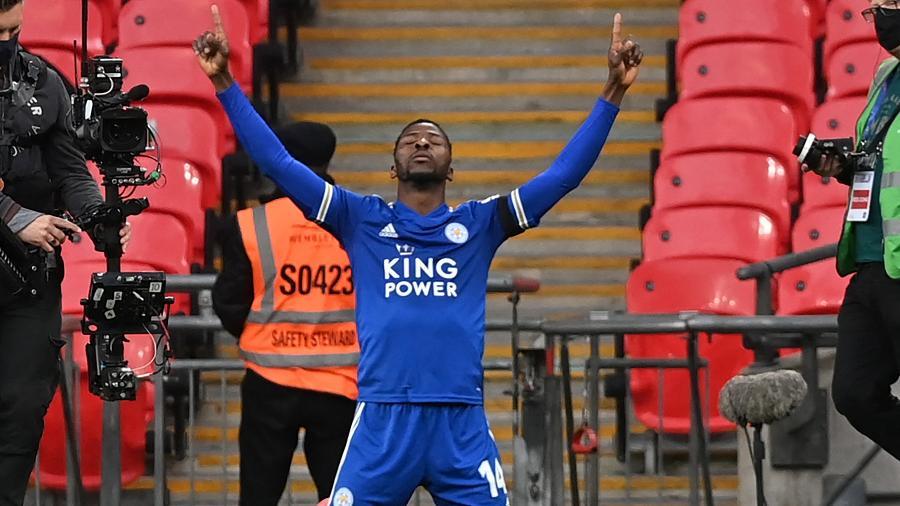 Iheanacho comemora único gol do Leicester sobre o Southampton - NEIL HALL/AFP