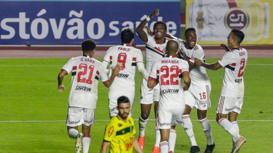 Arboleda comemora o primeiro gol do São Paulo na semifinal do Paulistão - Marcello Zambrana/AGIF