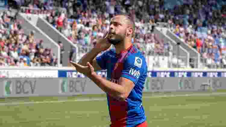 Atacante Arthur Cabral comemora gol marcado pelo Basel no Campeonato Suíço - RvS.Media/Basile Barbey/Getty Images - RvS.Media/Basile Barbey/Getty Images