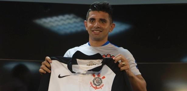 Guilherme foi apresentado como jogador do Corinthians nesta terça-feira