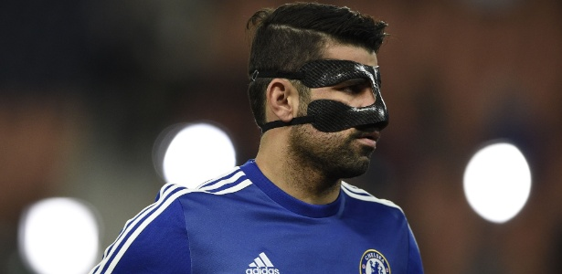 PSG tirou sarro de máscara usada por Diego Costa para proteger o nariz quebrado