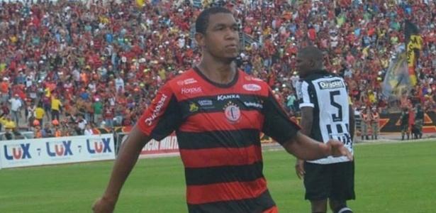 Atacante Rodrigão é o artilheiro do Brasil em 2016 ao marcar 13 gols em 14 jogos