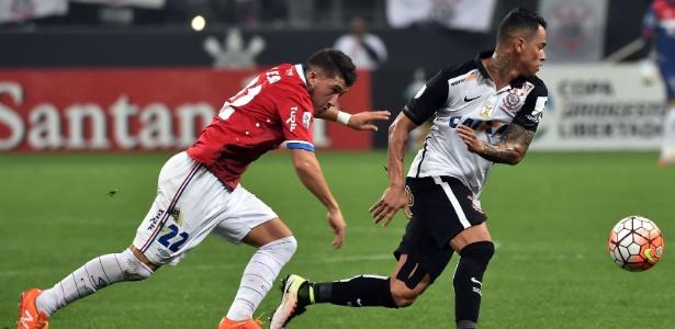 Meia corintiano deve ser titular na estreia do time no Campeonato Brasileiro