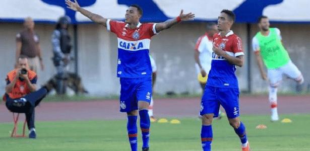 Gustavo fez 25 jogos com a camisa do Bahia e marcou seis gols