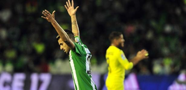 Dani Ceballos, que estava no Betis, reforça o Real Madrid