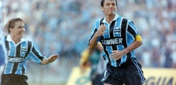 Grêmio de Paulo Nunes e Adilson Batista goleou o Independiente em 1996
