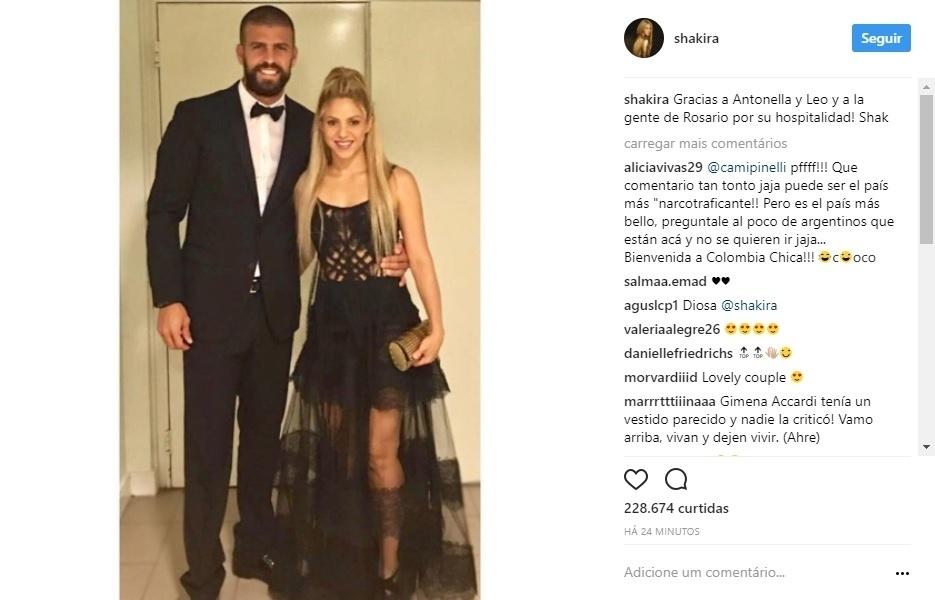 Gerard Piqué e Shakira vestidos para o casamento de Messi