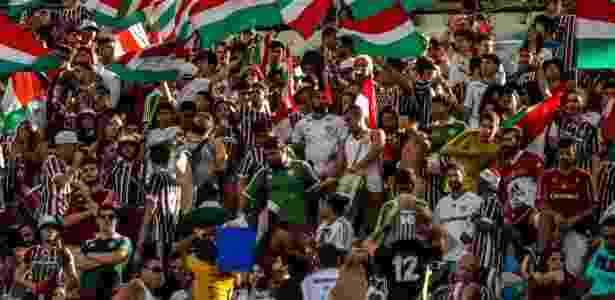 Torcedores do Fluminense acompanham jogo do time carioca no Maracanã - Antonio Marcos