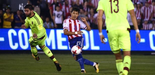 Óscar Romero, na partida entre Paraguai e Venezuela pelas Eliminatórias da Copa