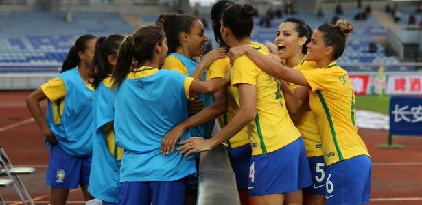 Seleção brasileira comemora um dos gols da vitória contra o México - Reprodução/CBF