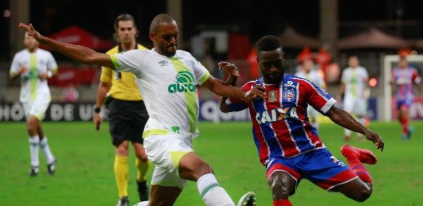 Douglas está emprestado pelo São Paulo até junho de 2018