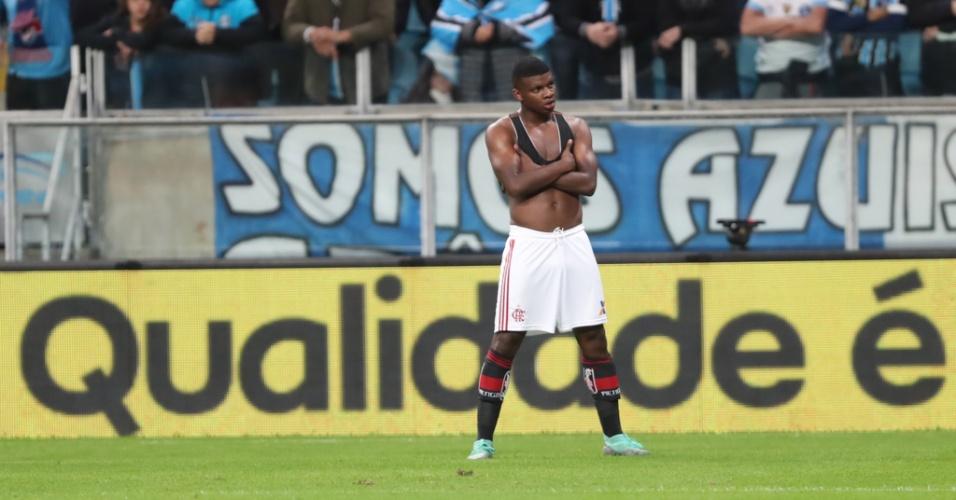 Lincoln comemora gol de empate do Flamengo diante do Grêmio na Copa do Brasil